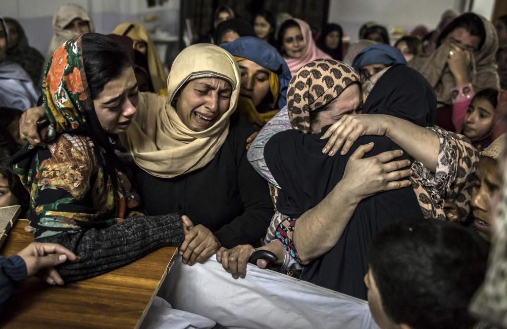Pakistani Moms Mourning loss of their Children