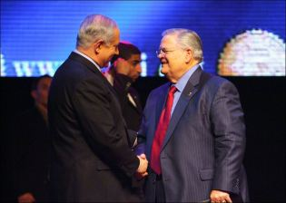 Texas Pastor John Hagee heads Christians United for Christ
