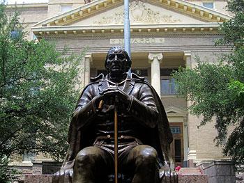Statue_of_Jose_Antonio_Navarro_Corsicana_TX