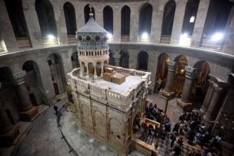 Jesus Tomb Site in Jerusalem 1.jpg